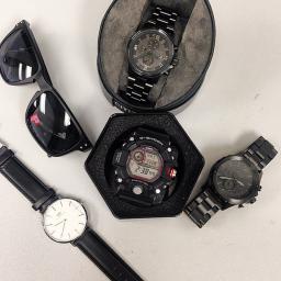 Black Wrist Essentials - WATCH IT!